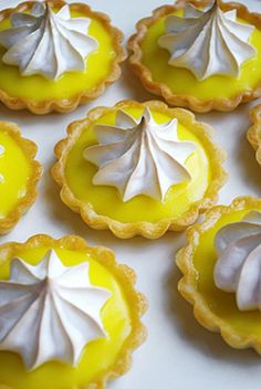 my absolute favorite dessert.(other than dark chocolate,anything) Mini Lemon Tarts :) Mini Desserts, Lemon Desserts, Lemon Recipes, Sweet Recipes, Delicious Desserts, Dessert Recipes, Plated Desserts, Oven Recipes, Fruit Tart Recipes