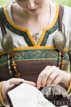 """Linen Viking Apron Garb """"Ingrid"""" :: by medieval store ArmStreet Viking Garb, Viking Dress, Viking Costume, Medieval Costume, Viking Cosplay, Viking Armor, Medieval Gown, Viking Life, Viking Woman"""