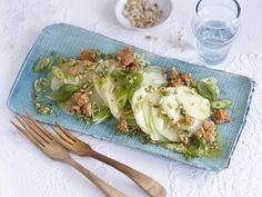 Kohlrabi mal anders: roh als Salat! http://www.fuersie.de/kitchen-girls/rezepte/blog-post/rezept-fuer-kohlrabi-salat