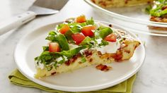 Impossibly Easy BLT Pie recipe from Betty Crocker Easy Summer Dinners, Easy Meals, Quiches, Impossible Pie, Vegetable Pie, Bisquick Recipes, Pillsbury Recipes, 12 Recipe, Easy Pie