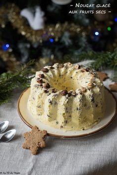 Nougat glacé aux fruits secs Le Diner, Baking Ingredients, Cookie Dough, Cheese Muffins, Frozen Desserts, Kitchens, Dried Fruit, Cake Batter