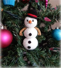 "A[mi]dorable Crochet: FREE PATTERN for 6"" snowman!"