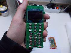 ZeroPhone: Un smartphone DIY basado en el Raspberry Pi Zero - https://www.vexsoluciones.com/tecnologias/zerophone-un-smartphone-diy-basado-en-el-raspberry-pi-zero/