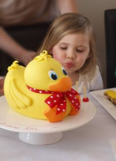 Rubber ducky cake...looks hard but too cute!