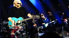 Barry Gibb Mythology Tour - Hollywood Bowl - Tragedy