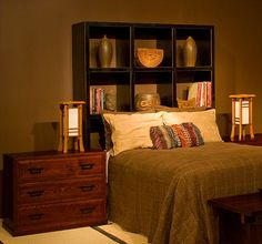 Liking this storage idea behind the bed!