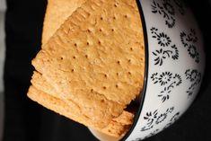 Biscotti al farro e olio d'oliva. Croccanti biscotti per la colazione, ottimi per gli intolleranti al lattosio. Vi conquisteranno con la loro croccantezza!