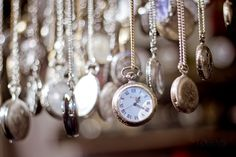 clock chains time dial watch bokeh wallpaper background