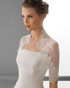 153 FLORENCIA / Wedding Dresses / 2013 Collection / Alma Novia / Shown with Bolero Jacket (close up)