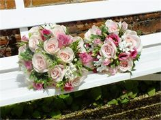 Pink and white wedding bouquets - bloom bloom
