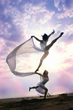 dragon ♫♪ Dancers ♪♫