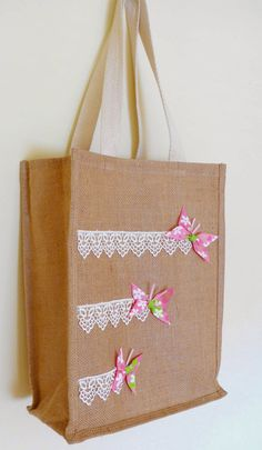 Craft Fairy Designs: Butterfly Bags for the Spring Time Hessian Bags, Jute Tote Bags, Diy Tote Bag, Burlap Crafts, Fabric Crafts, Decorated Gift Bags, Butterfly Bags, Diy Sac, Bag Patterns To Sew