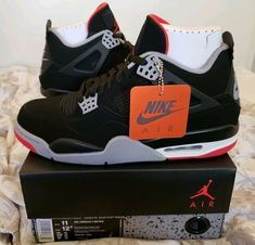 premium selection e8182 3f699 Nike Air Jordan 4 Retro OG Bred 2019 Black Fire Red-Cement Grey Size