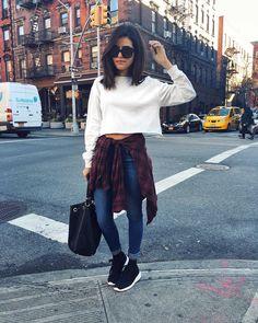 "Sazan Hendrix on Instagram: ""It was warmer in NYC today than in LA. That's a little strange! Get my outfit deets @liketoknow.it www.liketk.it/22efR #liketkit #ootd #nyc #sazantravels #denimstyle #90s"""