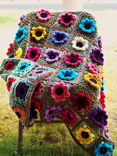 Quick and Free Crochet blanket pattern images ! - Page 8 of 47 - Beauty Crochet Patterns! Crochet Afghans, Easy Crochet Blanket, Crochet Motifs, Crochet Squares, Crochet Blanket Patterns, Crochet Granny, Granny Squares, Crochet Blankets, Crochet Bedspread