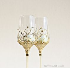 Mint Gold Glasses Wedding Glasses Champagne by NevenaArtGlass #wedding #wedding_glasses champagne_flutes #mint_gold