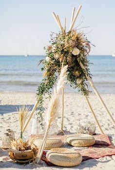 30 Pretty And Inexpensive Boho Decor For Marriage Ceremony - Yemek Tarifleriniz Boho Diy, Bohemian Decor, Bohemian Party, Picnic Decorations, Boho Wedding Decorations, Boho Dekor, Tipi Wedding, Wedding Bride, Picnic