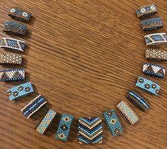 колье – 96 photos | VK Diy Jewelry Rings, Beaded Rings, Jewelry Crafts, Jewelry Making, Beaded Bracelets, Jewelry Ideas, Necklaces, Seed Bead Necklace, Seed Bead Jewelry