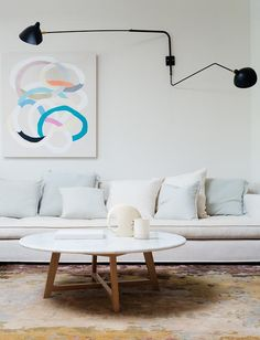 Home Deco - 14 mistakes to avoid for a design interior Australian Interior Design, Interior Design Awards, Home Interior, Modern Interior Design, Modern Interiors, Two Tone Kitchen, Storey Homes, Luminaire Design, Home And Deco