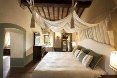 Hotel B&B by Fabrizia Frezza Architecture & Interiors