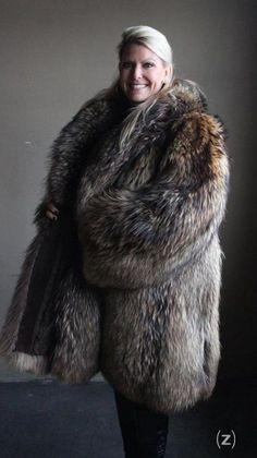 FUR KINGDOM - KINGDOM OF FUR Sable Fur Coat, Fabulous Fox, Sheepskin Coat, Fur Wrap, Fox Fur Coat, Vintage Fur, Fur Fashion, Fur Jacket, Coats For Women