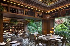The Sylvestre Restaurant Project is located in Mexico City. The lead architect is Enrique Ralph. Small Restaurant Design, Luxury Restaurant, Restaurant Interior Design, Luxury Interior Design, Best Interior, Restaurant Ideas, Colonial Style, Unique Restaurants, Inside Outside