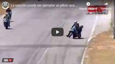 """INCREDIBILE! Superbike in Costa Rica, salta sulla moto del rivale e lo prende a cazzotti - VIDEO INCREDIBILE! SUPERBIKE IN COSTA RICA, SALTA SULLA MOTO DEL RIVALE E LO PRENDE A CAZZOTTI: incontro ravvicinato con un collega durante le prove del campionato nazionale Superbike sul circuito Grupo Sur, a Guacima, in Costa Rica. In pieno rettilineo, per evitare il sorpasso quando veniva affiancato, il pilota davanti ha """"accompagnato"""" nemmeno tanto gentilmente l'avversario verso l Video, Costa Rica, Pilot, Salta, Circuit"""