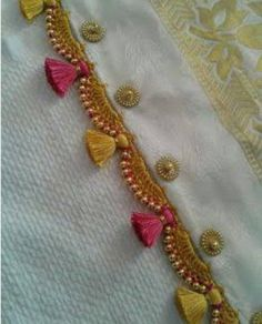 18 Awesome Pics of saree kuchu designs crops Embroidery Dress, Beaded Embroidery, Embroidery Stitches, Hand Embroidery, Embroidery Designs, Saree Tassels Designs, Saree Kuchu Designs, Blouse Designs, Broderie Simple
