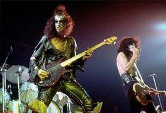 Kiss Photo, Photo Pin, Fake Photo, Vintage Kiss, Kiss Pictures, Kiss Band, Hot Band, Gene Simmons, Band Photos