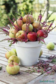 apples and heather...great fall arrangement ***GREAT CENTERPIECE IDEA***