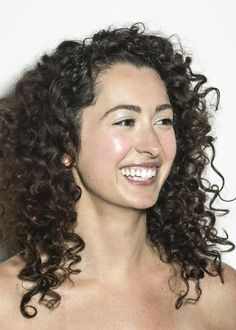 Got curly hair? Try these four hair routines now.