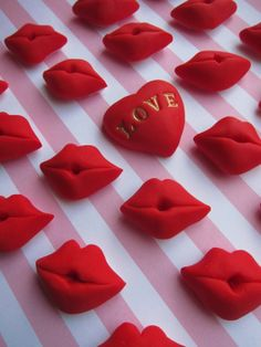kisses cupcake toppers