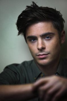 Is it possible to take a bad photo of Zac Efron?