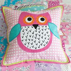 I'm not one to care much for owl decor, but even I have to admit this is cute :)
