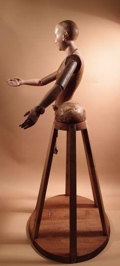 santos doll, 16th/17th century.