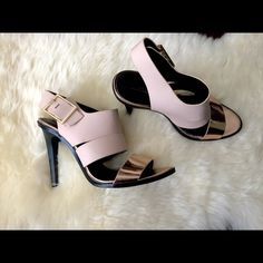 """⚡️FLASH SALE⚡️Zara Rose Gold and Nude heels US 7.5 Lightly worn Zara heels in rose gold/nude. Size 38, should fit US size 7.5. Small knick and back of heel, and small wear at toe (see pic). No wear inside heel of shoe at all. Heel height 4"""". Zara Shoes Heels"""