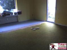 2009 (Kunde)   90 m2 Wohnung komplett Neu gestrichen, tapeziert, Boden (Laminat) verlegt und viele weitere Dinge!  Wohnzimmer Problem _ LATEXFARBE an der Wand, Entkernung unerwünscht