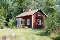 Scandinavian Cottage, Swedish Cottage, Red Cottage, Cottage In The Woods, Sweden House, Red Houses, Homestead House, House In Nature, Charming House