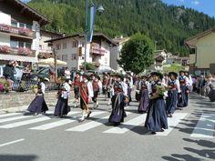 CANAZEI Sfilata tradizionale - Trentino, Italy