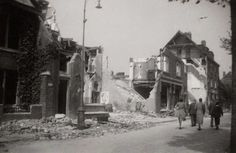 Amsterdam Noord: De Van der Pekstraat na het bombardement van 1943