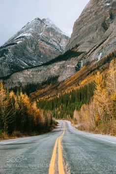 Beautiful fall roads (Icefields Parkway, Banff & Jasper, Alberta) by Nick Verbelchuk cr. Landscape Photography Tips, Landscape Photos, Nature Photography, Travel Photography, Cool Landscapes, Beautiful Landscapes, Roads And Streets, Beautiful Roads, Road Trip