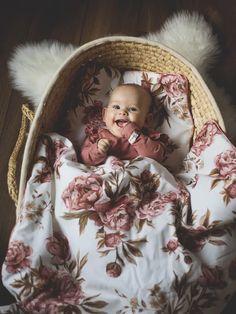 Luxury babaágynemű szett - Vintage Peonies 135x100 - Peekabooshop Textile Prints, Textile Art, Textiles, Oeko Tex 100, Patterns In Nature, Vintage Country, Surface Pattern Design, Peonies, Fabric Design