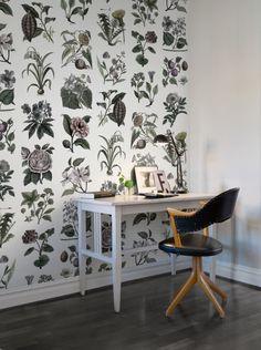 A+favorite+wallpaper+from+Rebel+Walls,+Fruit+&+Flora,+Color!+#rebelwalls+#wallpaper+#wallmurals