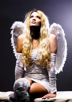 Angel Medium White Feather Wings £12