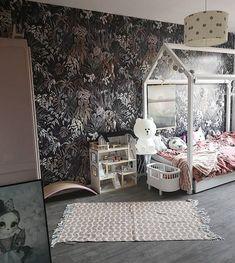 Barnrumsdröm på Bondegatan. Små och stora är välkomna på visning idag. Se vår hemsida för mer info. Fot House Beds, Change Is Good, Toddler Bed, Wallpaper, Room, Furniture, Instagram, Home Decor, Homemade Home Decor