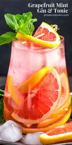 This refreshing grapefruit mint gin and tonic is the citrusy cocktail your weekend needs. #Gin #Drinks #Cocktails #CocktailHour #CocktailoftheDay #Craftcocktails #Masterofmixes #Barista #Cocktaillover #DeliciousDrinks #Mixology Best Summer Cocktails, Healthy Cocktails, Best Cocktail Recipes, Fun Cocktails, Cocktail Drinks, Fun Drinks, Drink Recipes, Alcoholic Drinks, Beverages