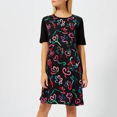 Get PS Paul Smith Women's Acapulco Print T Dress - Black now at Coggles - the one stop shop for the sartorially minded shopper. Free UK & EU delivery when you spend Latest Fashion Dresses, Latest Dress, Fashion Outfits, Autumn Fashion Casual, Dress Cuts, Dress Styles, Free Uk, Paul Smith, Special Occasion Dresses