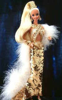 A baby toy that appeals even the aged is none other than the Bob Mackie Barbie. Defy fantasy and strictures of beauty with an enchanting Barbie. Barbie Stil, Barbie 1990, Barbie Mode, Barbie And Ken, Barbie Blog, Bob Mackie, Barbie Vintage, Vintage Dolls, Barbie Dress