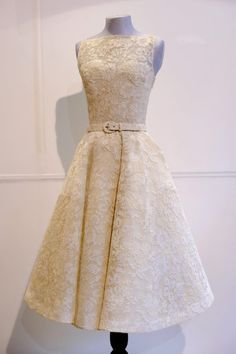 If I ever get the chance of wearing a wedding dress,it will be this one - Audrey Hepburn's 1954 Oscar Dress