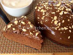 La torta alla nutella è una torta morbida e soffice. Un dolce goloso da farcire e guarnire a piacere secondo i gusti. Ricetta facile e veloce